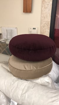 Round pillow for chair. Paramount, 90723