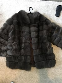 Fox fur coat new condition Toronto, M5N 1H5