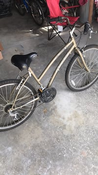 Girls 15 speed bicycle  Willowick, 44095