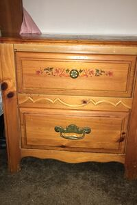 Dresser with mirror chest of drawers & nightstand.