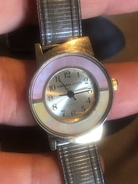 Northern Lights Vintage Womens Watch Soft Metal Band. Condition is Pre-owned. Rockville, 20851