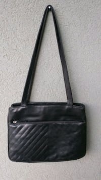 Classic black purse with zip compartments