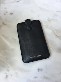Michael Kors Pebbled Leather Phone Pouch Calgary, T3P 0A3