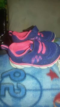 pair of blue-and-pink Nike running shoes Pontoon Beach, 62040