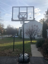 Basketball hoop, portable.   Woodbridge, 22193