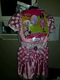 pink and white Minnie Mouse themed umbrella Modesto, 95354