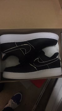 Pair of black nike high top sneakers in box Temple Hills, 20748