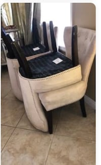 white and black leather padded chair Los Angeles, 90017