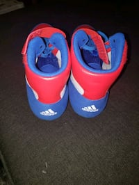 workout shoes Adidas size 10 to 10.5 for man brand new never wear. neg Toronto, M6K 2T8
