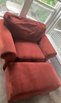 Couch Newton, 02459