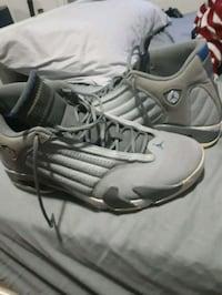 pair of gray-and-black Nike basketball shoes Kitchener, N2K 1N9