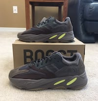UA Mauve Yeezy 700 shoes Kitchener, N2N