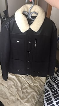 XL Winter jacket Zara. Used 3 times only. Perfect condition