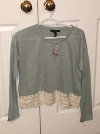 Pale teal and lace crop top Markham, L3P 4R1