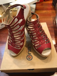 pair of brown leather open-toe gladiator sandals Tacoma, 98409