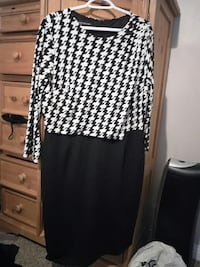 white and black houndstooth long-sleeved crew-neck sheath dress Ottawa, K4A 1Y7