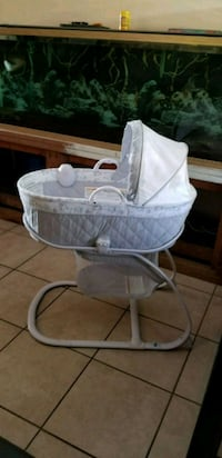 Like new Baby basinet Albuquerque