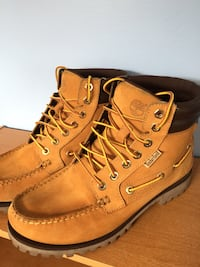 Barely used 7.5 Timberland boots Markham, L3T 4P1