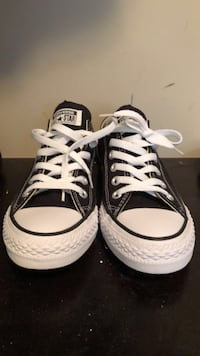 Women's Converse Never Worn Size 7 Surrey