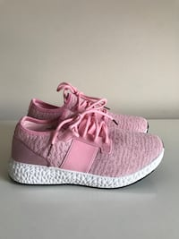 New! Size:7.5 Women Pink Sneakers  Arlington, 22202