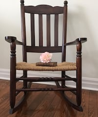 Antique shabby chic farmhouse rocking chair Mississauga, L5G 2K4