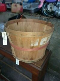 3/4 bushel basket Stockbridge