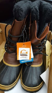 SOREL insulating boots size 9