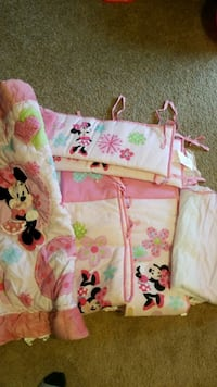 Baby Minnie mouse bumpers, bed skirt Manassas Park, 20111