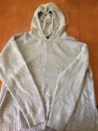 Forever 21 sweater with hoodie Regina, S4S 6L1