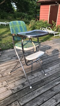 Mississauga. Chair for small derrières! Wish it would fit mine! Mississauga, L5M 1M2