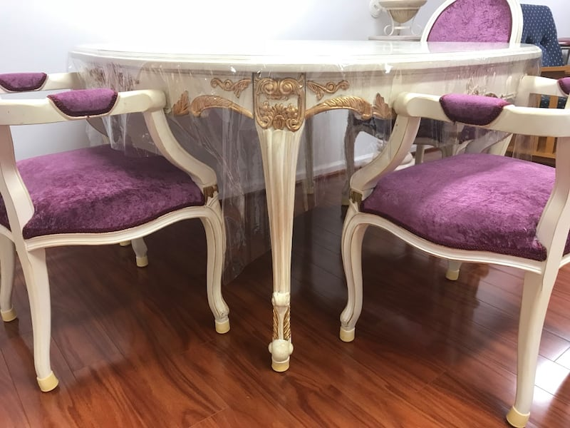 Princess table with matching chairs 701cd2a1-2c25-4f82-868c-22078b877025