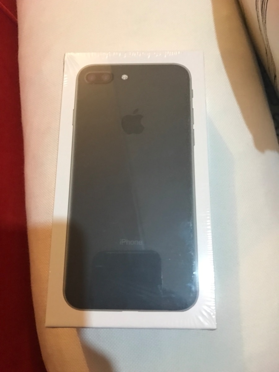 Unlocked iPhone 7 Plus128gb