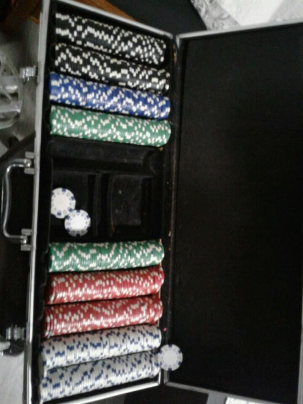 clay poker chip set only needs cards  d6ddc998-6157-4892-b36c-d8adf013dff3