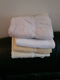 4 assorted color towels London, N6H 1T3