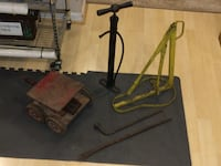 Antique tire changing set and handmade scissor lift jack Ashburn, 20147