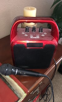 Amplifier with microphone
