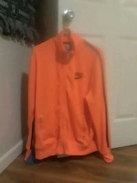 Brand new nike sweater  Medford, 97501