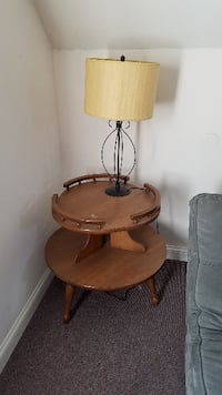 End table and lamp INDIANAPOLIS
