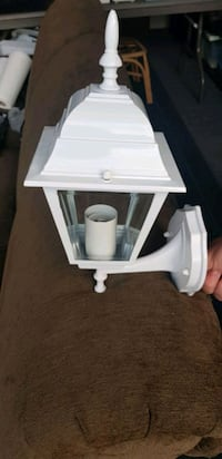 New outdoor light fixtures Langley, V3A 4Y2