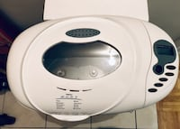 New lower price! All in one Deluxe Automatic Bread Maker New Condition Black & Decker Barrie