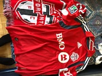 Authentic TFC jersey with Signatures + Reversable scarf Toronto, M5B 1H8