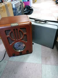 Vintage radio and cassette player with case full o Philadelphia, 19136