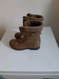 Size 9 boots light brown London, N6H 4P4