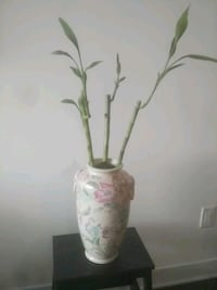 white and pink floral ceramic vase Hampstead, H3X 1S2