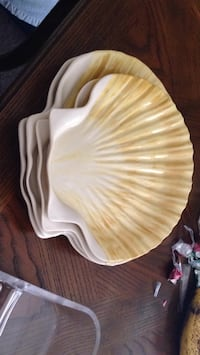 Shell dishes Summit Hill, 18232