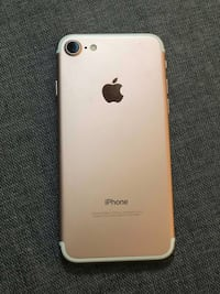 Gold iphone 7 32GB Toronto, M1E 4R1