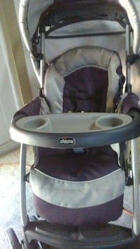 baby's gray and brown Chicco stroller