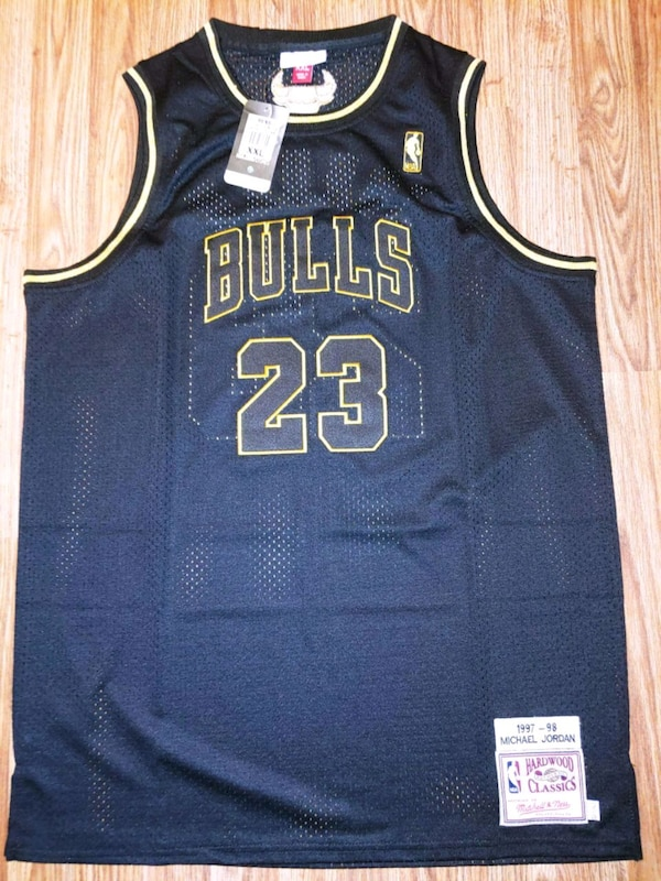 size 40 c603e 6f7be Michael Jordan gold trim throwback jersey