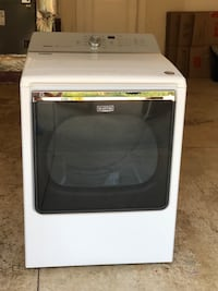 White Maytag gas front-load clothes dryer. PERFECT CONDITION!! Vancouver, 98682