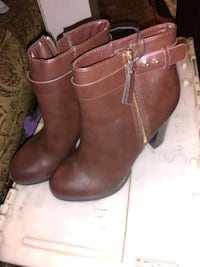 pair of brown leather boots Glendale, 85301